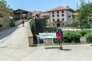 Arriving at Puente de la Rabia in Zubiri
