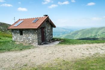 Mountain hut shelter