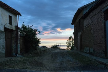Early morning, leaving Bercianos del Real Camino