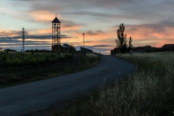 Early morning, leaving Bercianos del Real Camino