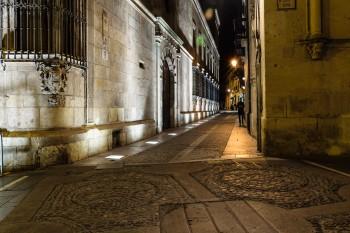 Leon at night
