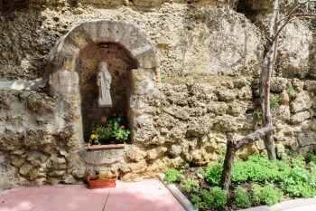 Courtyard, Santa Maria Albergue