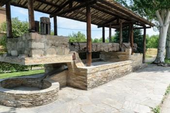 Large winepress