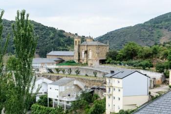 Entering Villafranca del Bierzo