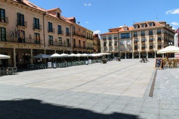 Trail through Astorga