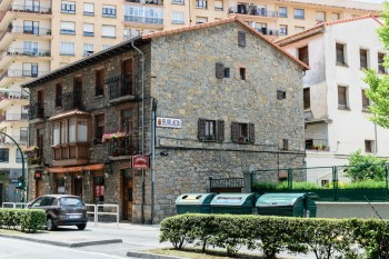 Entering the commercial district of Pamplona