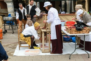 Sausage-making demonstration in Belorado