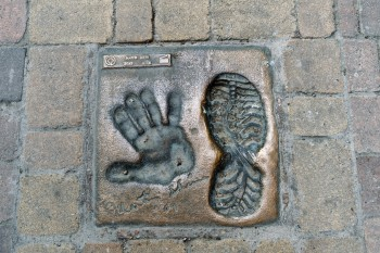 Martin Sheen's hand and bootprint on route through Belorado