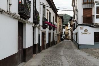 Evening walk through the streets of Villafranca del Bierzo